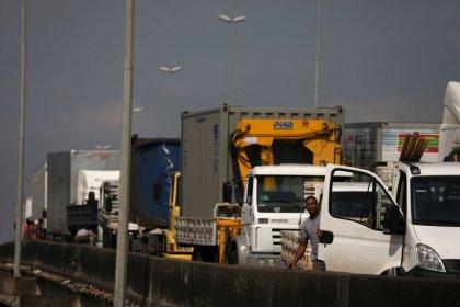 Governo e caminhoneiros chegam a acordo para suspender greve por 15 dias