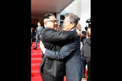 Los líderes de las dos Coreas se reúnen mientras Trump revive esperanzas de una cumbre con Pyongyang