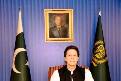 رئيس وزراء باكستان الجديد يدعو مواطنيه للتقشف والأغنياء لدفع الضرائب
