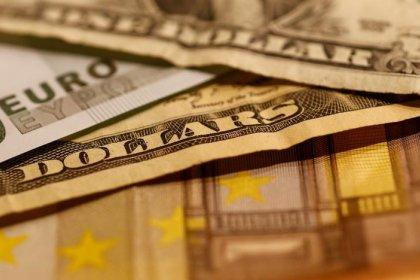 Центробанк РФ шестой день подряд не покупал валюту Минфину