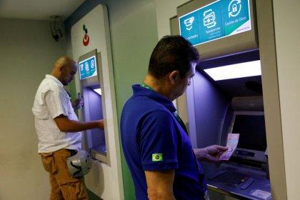 Venezuela estrena moneda en medio de incertidumbre, empresarios piden cambios