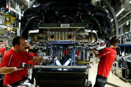 Beschäftigungsrekord in der Industrie trotz Auftragsflaute