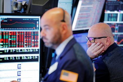 Trade tensions weigh on Wall Street
