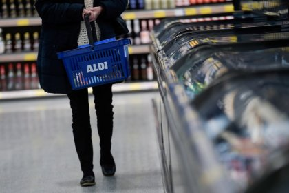 Aldi expands U.S. Instacart delivery tie-up in time for Thanksgiving