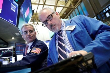 Wall Street bounces back as investors shrug off trade tensions