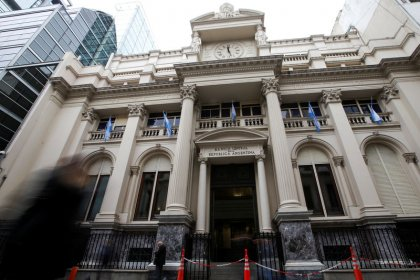 Argentine central bank says sells $261 million in forex market
