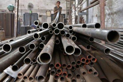ЭКСКЛЮЗИВ-Индия думает повысить импортные пошлины на сталь в попытке поддержать рупию