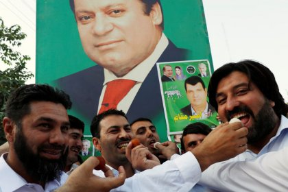 Ousted ex-PM Sharif, daughter set to be freed during appeal