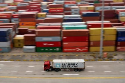 China's exporters could quickly ditch U.S. market, says ex-central bank head
