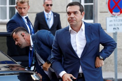 Greece wants to speed up minimum wage rise after bailout exit