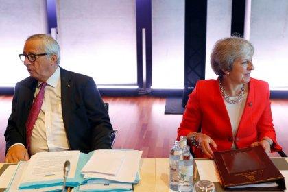 Juncker dice que Reino Unido y la UE deberían tratarse como erizos amorosos