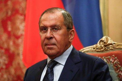 روسيا تقول إنها تتخذ خطوات لتقليص الاعتماد على أمريكا والدولار