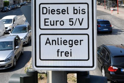 Merkel to hold diesel talks as allies demand hardware fix
