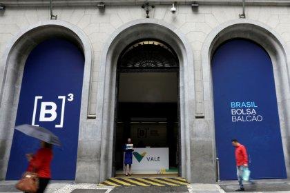 Ibovespa avança mais de 2% com atenções voltadas a exterior e cena eleitoral