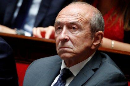 """Gérard Collomb dénonce les propos """"intolérables"""" tenus par Yann Moix sur les policiers"""