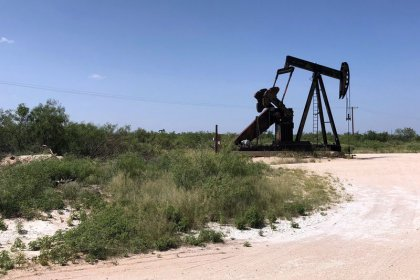 Too much oil? Texas boom outpaces supply, transport networks