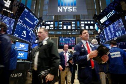 S&P tumbles 3 percent as U.S. yields soar, investors shun risk