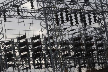 El sector eléctrico cae ante la amenaza de que Gobierno limite precios en la nuclear e hidráulica