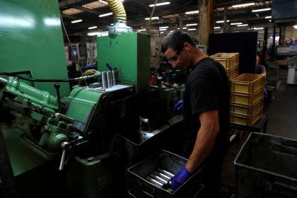 UK automation picks up as flow of European workers slows ahead of Brexit