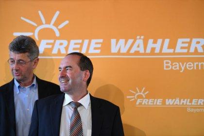 """Freie Wähler fordern """"drei bis fünf Ministerien"""" in Bayern"""