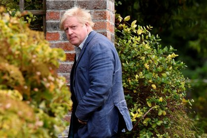 """Boris Johnson warns against """"Brexit in name only"""""""