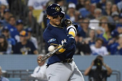 Brewers blank Dodgers for 2-1 NLCS lead