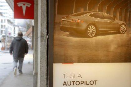 Musk, da Tesla, diz que novos chips de condução autônoma estarão disponíveis dentro de seis meses