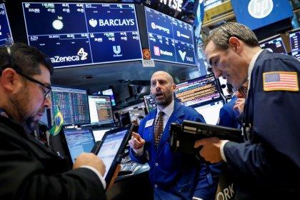 وول ستريت تقفز أكثر من 2% بعد نشر نتائج أرباح وبيانات