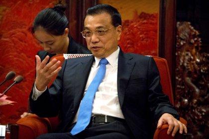 """Premiê da China vê """"pressão crescente"""" sobre a economia em meio a riscos comerciais"""