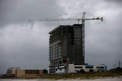 Início de construção de novas moradias nos EUA cai mais do que o esperado em setembro