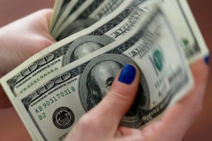Rising U.S. bond yields pose risks to greenback