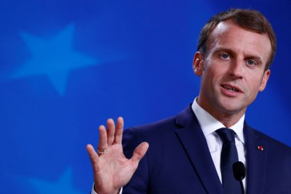 France's Macron denies reports of visas for UK travellers