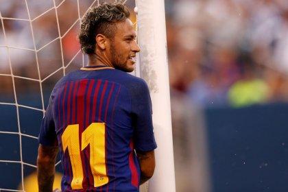 Barcelona not considering swoop for Neymar, says vice-president
