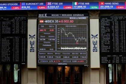 El Ibex-35 cierra a la baja lastrado por el sector bancario, DIA toca mínimos