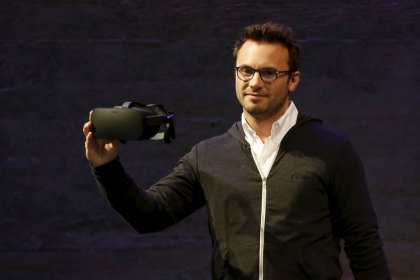 Oculus co-founder to leave Facebook
