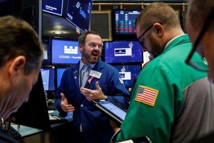 أسهم الطاقة والشركات المالية تضغط على المؤشرين ستاندرد آند بورز وداو
