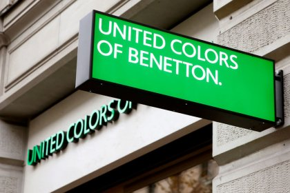 Benetton founder, who took family business beyond sweaters, dies at 77