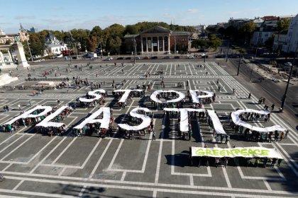 Los eurodiputados respaldan prohibir los plásticos desechables