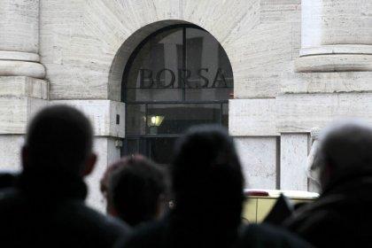 Borsa Milano si muove in calo, rimbalza Telecom, bene anche Saipem, banche vendute