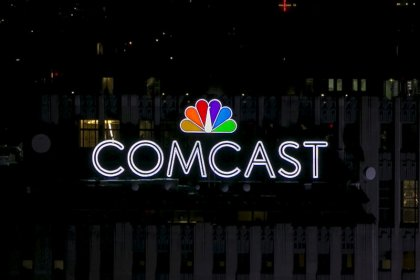 Cable group urges antitrust probe of Comcast and Trump tweets support
