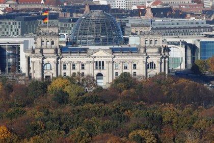Männlicher Bundestag - Frauen dringen auf neues Wahlrecht
