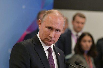 مصادر: روسيا تريد أن تنأى بنفسها عن أي اتفاق تقوده أوبك لخفض إنتاج النفط