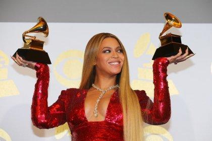 Beyoncé compra marca de ropa lanzada con el empresario británico Philip Green