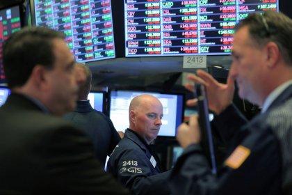 Индекс S&P 500 снизился вслед за акциями производителей чипов