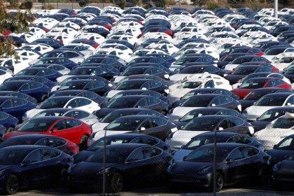 Tesla começa a receber pedidos para sedã Model 3 na China