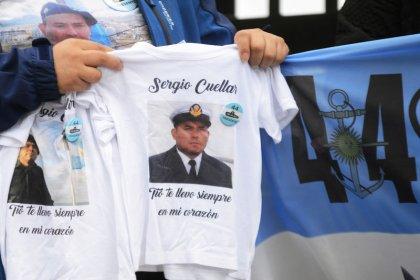 Los familiares del submarino argentino piden que se reflote para recuperar los cuerpos
