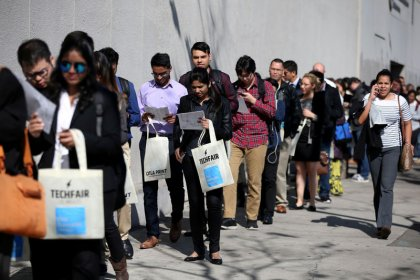 U.S. weekly jobless claims showcase economy's strength