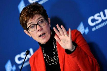 Kramp-Karrenbauer erklärt Kanzlerkandidaten-Debatte für beendet