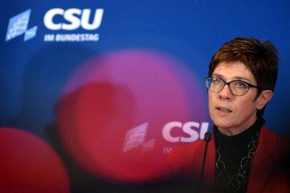 CDU-Chefin - Steuersenkung wird Thema bei Koalitions-Revision