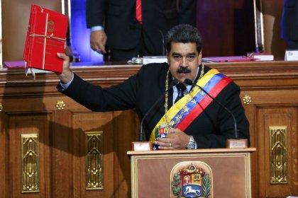 Maduro cuadruplica el salario mínimo y deja pendiente anuncios contra la crisis